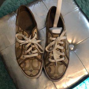Coach Dee Khaki shoes Sz 7 1/2